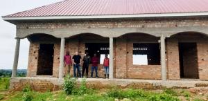 Projekt 2 Dachbau Uganda